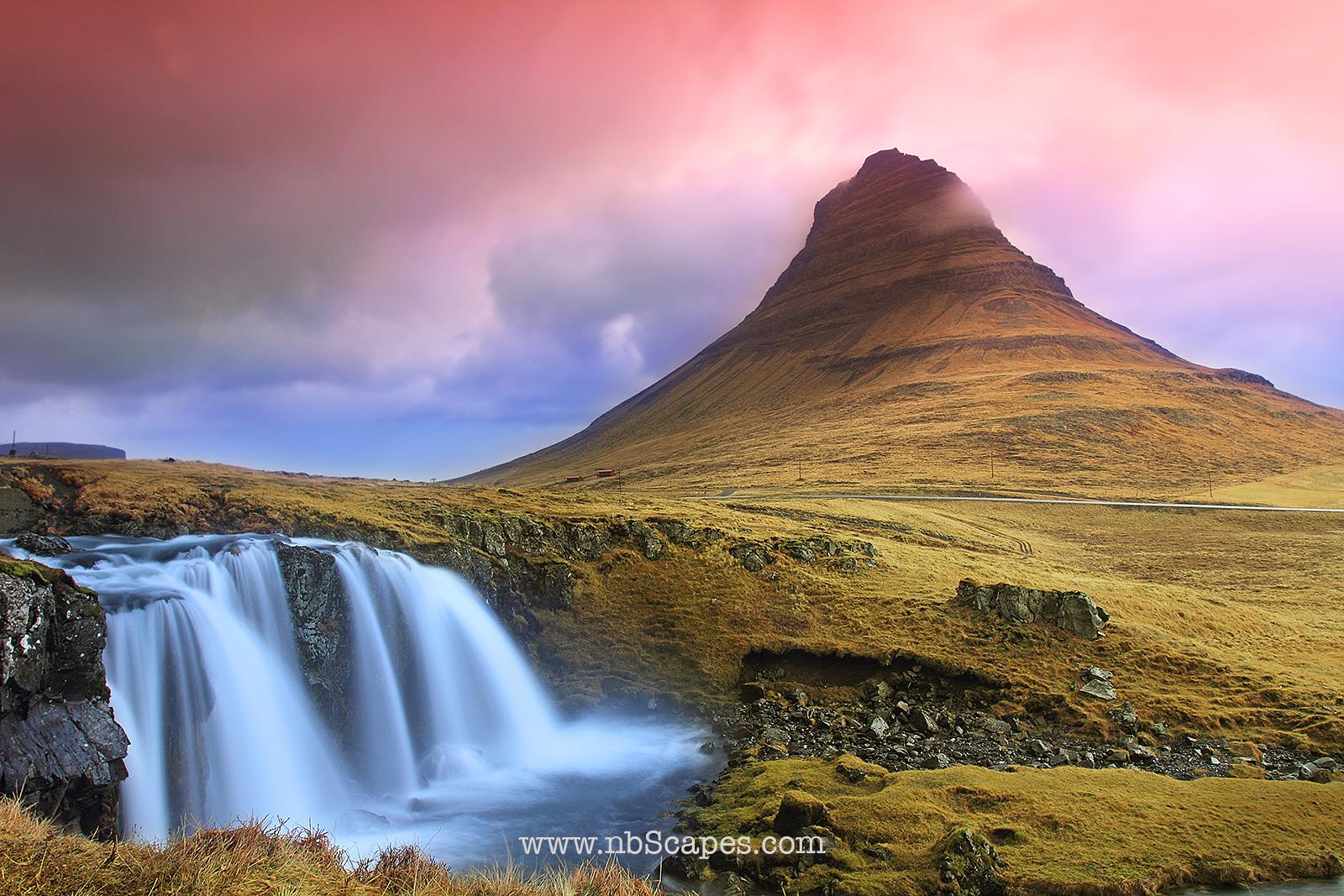 Kirkjufellsfoss Waterfalls